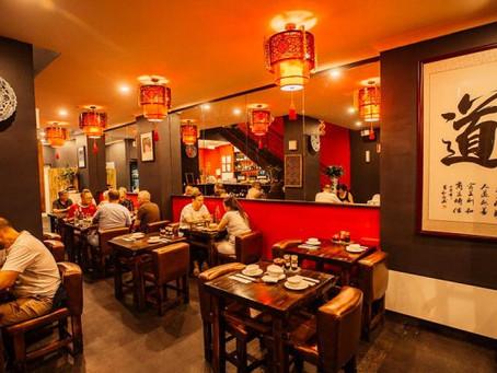 Restaurantes chineses oferecem refeições gratuitas a médicos