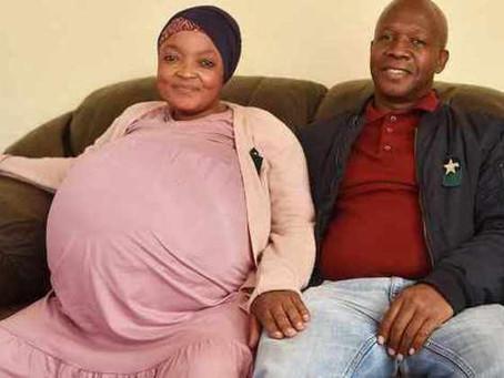 Mulher dá à luz 10 bebês de uma vez e quebra recorde