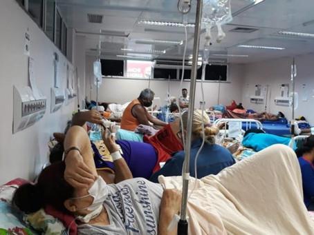 Hospitais de Curitiba registram fila de pacientes após lotação de leitos
