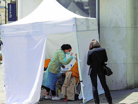 França obriga profissionais da saúde a se vacinarem contra a covid-19