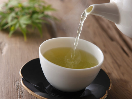 Conheça o chá branco: bebida aumenta o metabolismo e ajuda a emagrecer