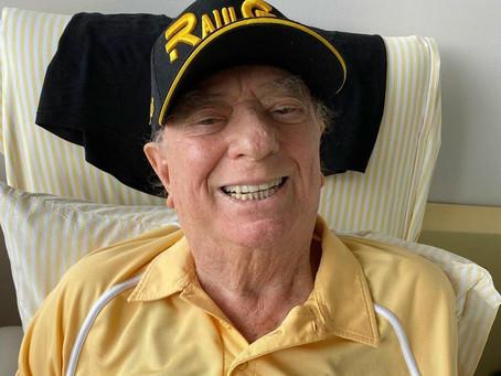 Raul Gil é internado em UTI de hospital em São Paulo