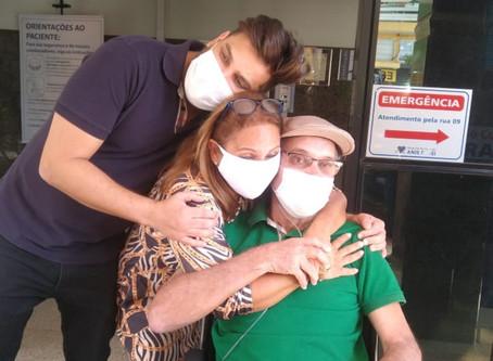 Pai de Cauan deixa hospital após se recuperar da Covid-19, em Goiânia