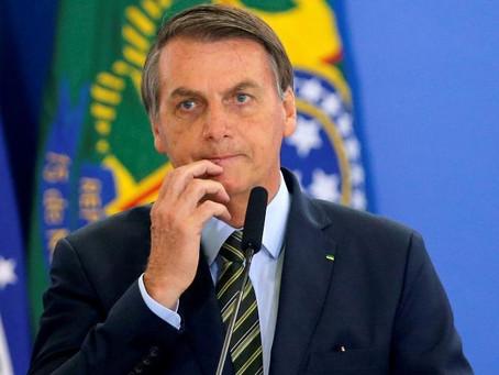 Bolsonaro veta projeto que obrigava SUS a garantir sangue e remédio a pacientes