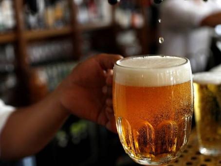 Cervejaria doa 2,6 mil litros que não conseguiu vender devido à pandemia