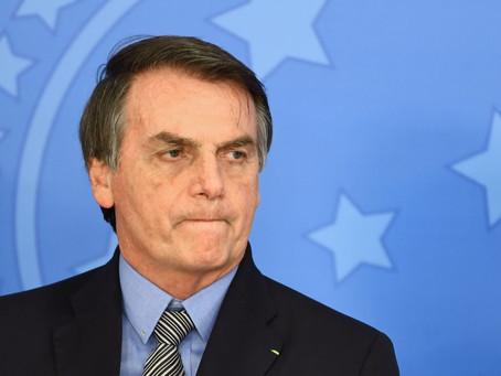 """""""Vou me sentir violentado"""", diz Bolsonaro sobre expor resultado de exame"""