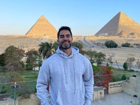 Médico brasileiro que foi preso no Egito volta ao Brasil