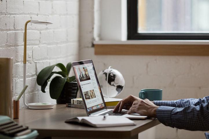 business-coffee-computer-desk-374006.jpg