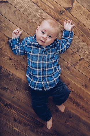 newborn baby photographer milestone sessions baby photography