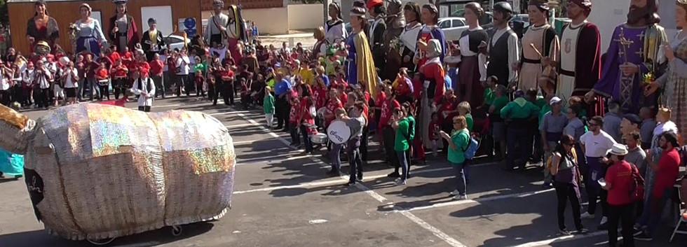 Danse de La Baragognha et des Baragougnets à la 14eme Trobada de la Colla