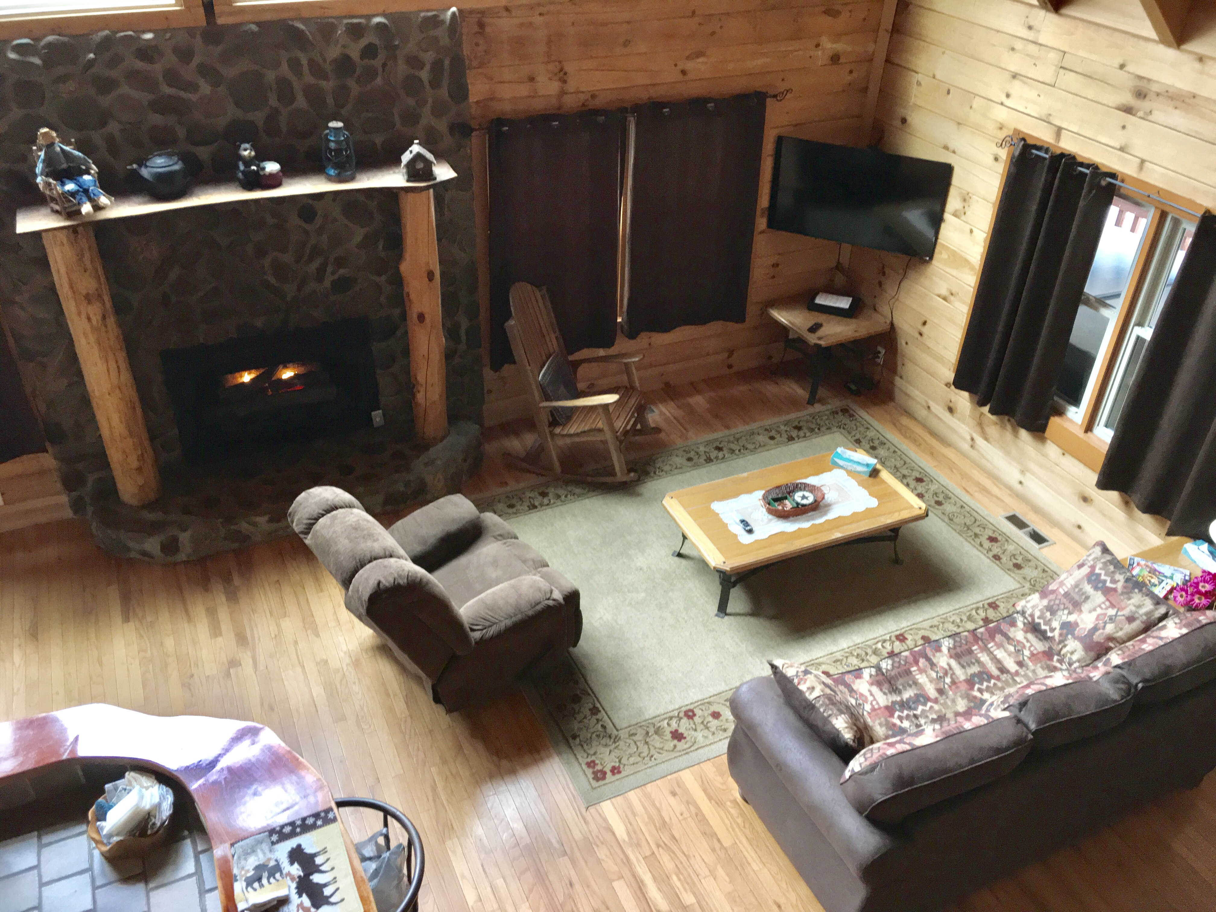 friendly tn pigeon forge cheap in cabin vrbo bedroom pet cabins