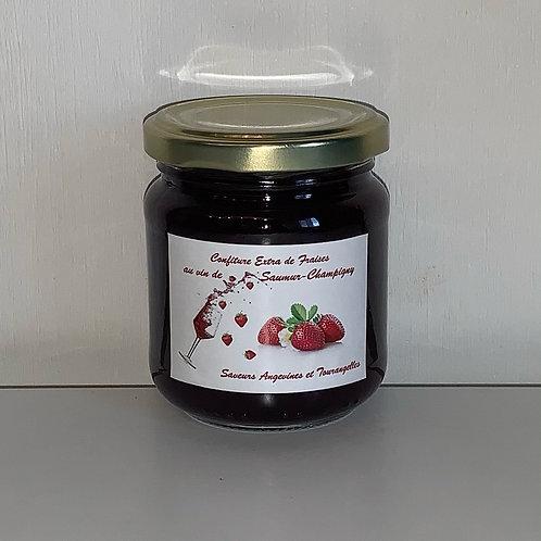 Pot 200g de confiture EXTRA de fraises au vin de Saumur-Champigny