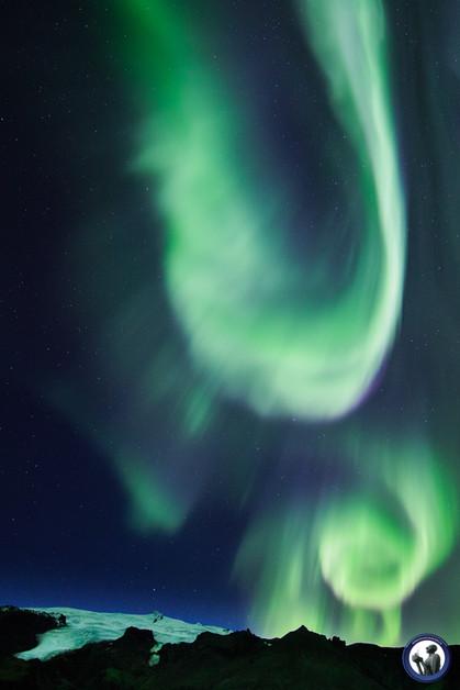 Aurora in Island über Gletscher