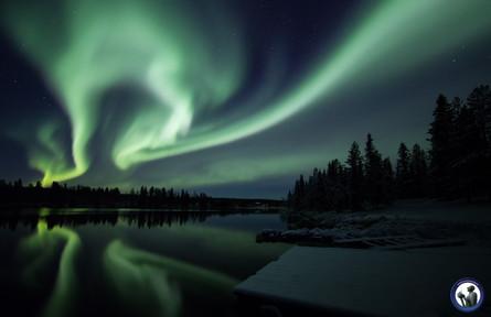 Aurora borealis in der Nähe von Äkäslompolo