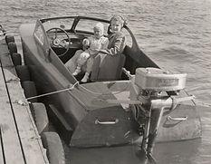 Solveig Sundstedt med sonen Jan i knäet 1949