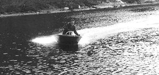 Åke Sundstedt i lilla Cyklonjollen