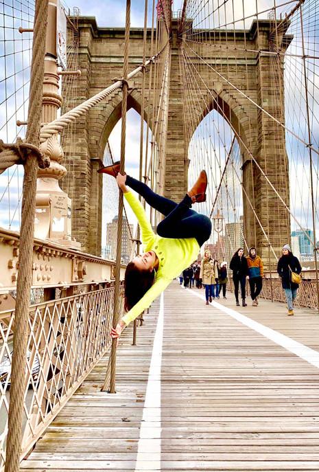 Brooklyn Bridge Pole.jpg