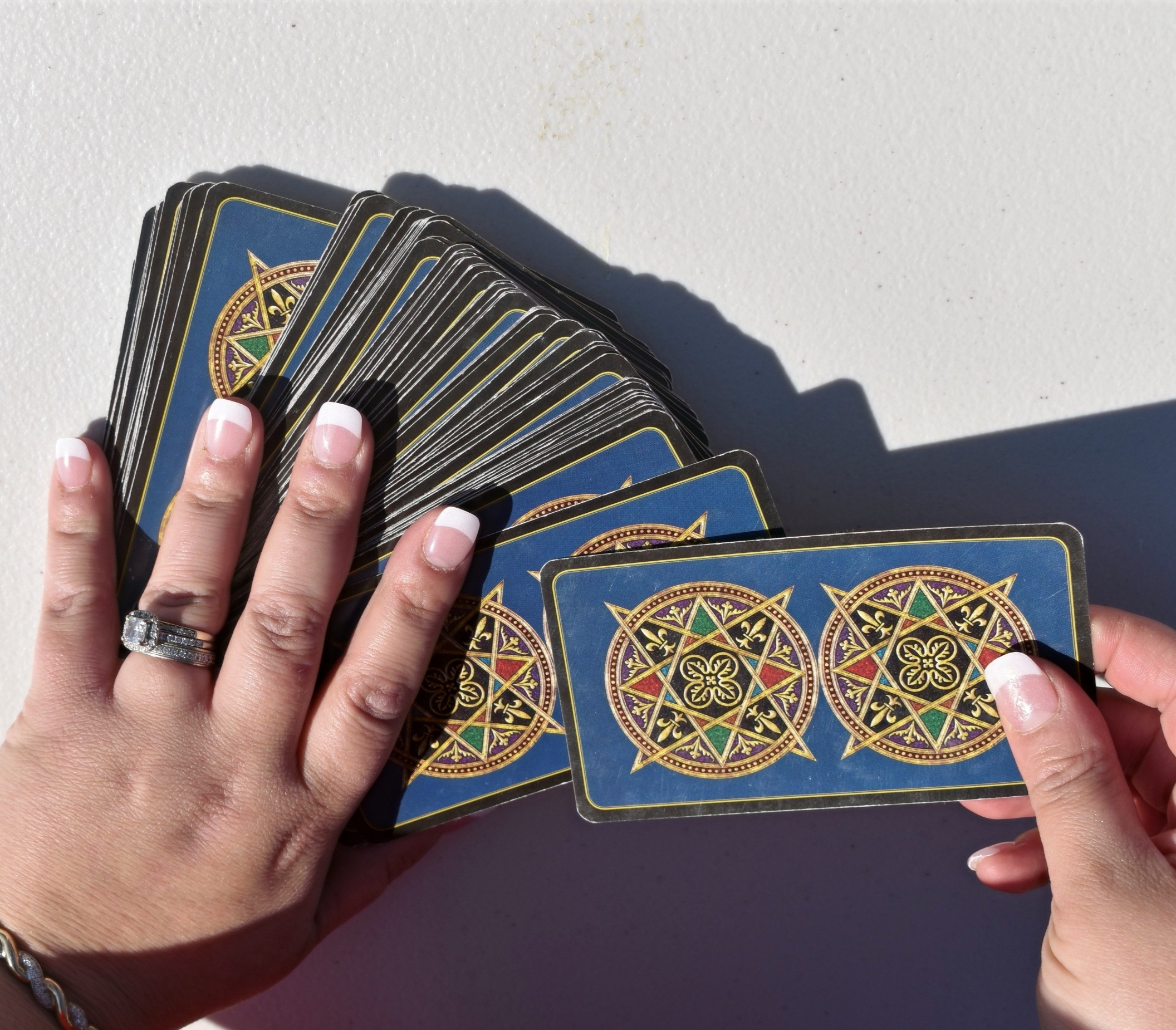 Tarot & Oracle Card Reading