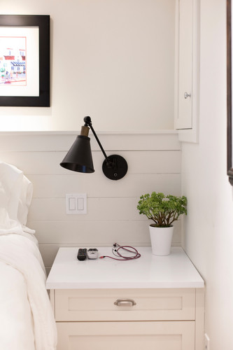 Reading Lights & Charging Cables