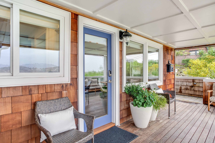 Welcoming Deck with Digital Entry