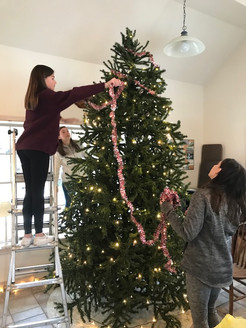 Pawling Students Assist at Decemberfest Celebration