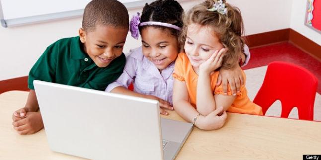 kids at computer.jpg