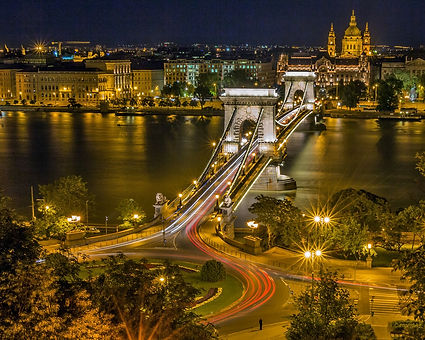 chain-bridge-111326_1280.jpg