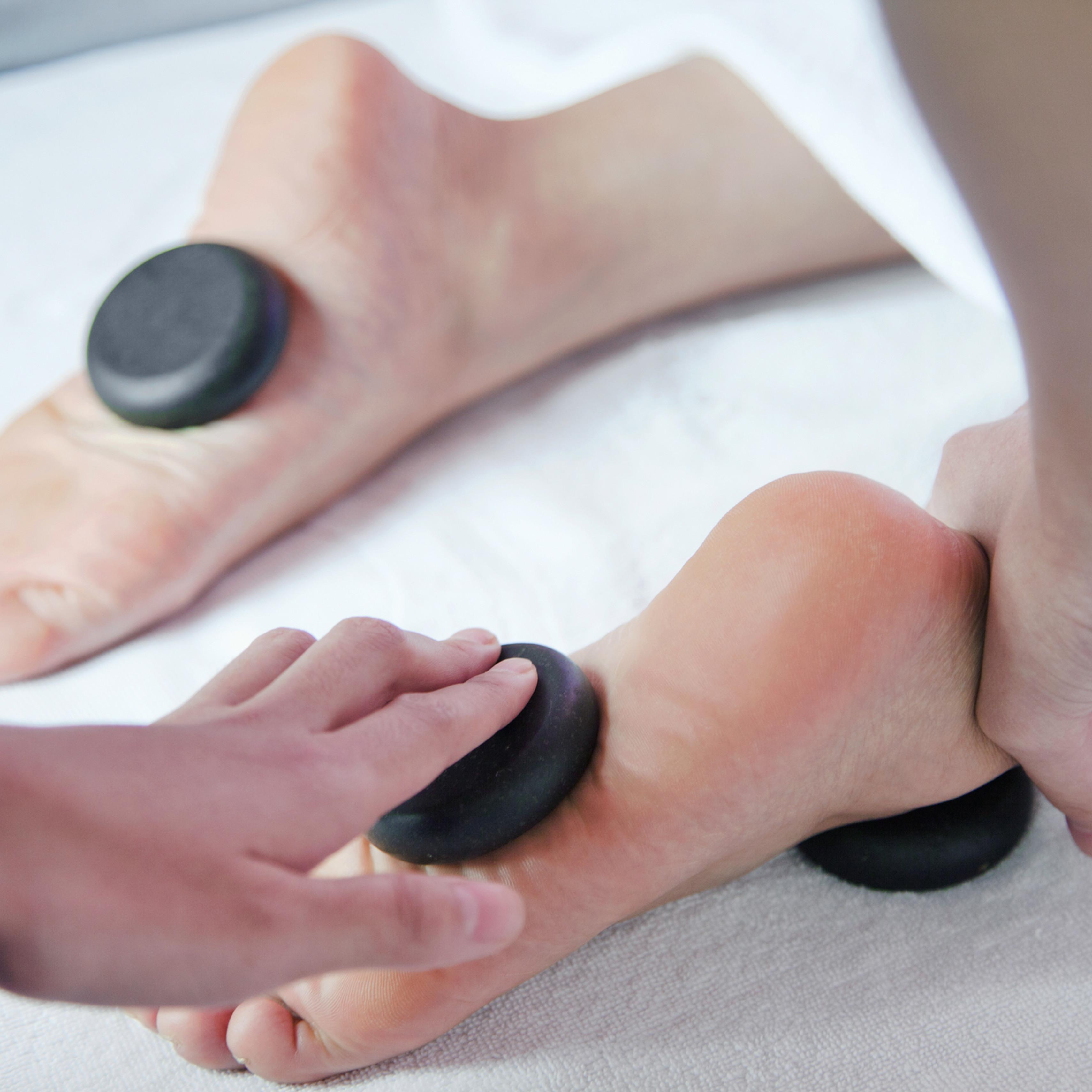 Wellness für die Füsse + Handmassage