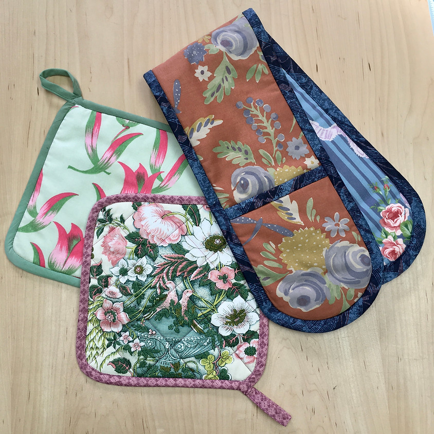 Pot Holders & Oven Gloves with Vicki Halliday