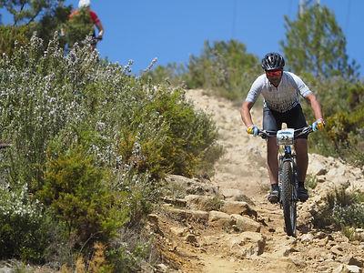 cycling-3374351_1920.jpg