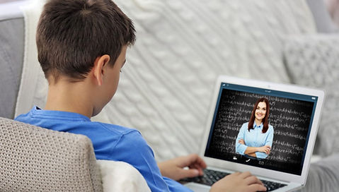 Elementary-Student-using-online-tutor-an