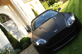 Aston Martin Vantage V8 Frozen BlackAston Martin Vantage V8 Frozen Black