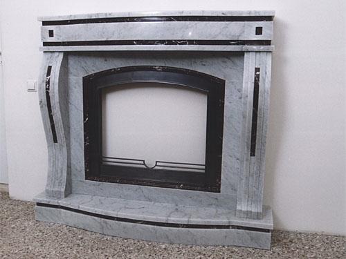 черно-белый камин