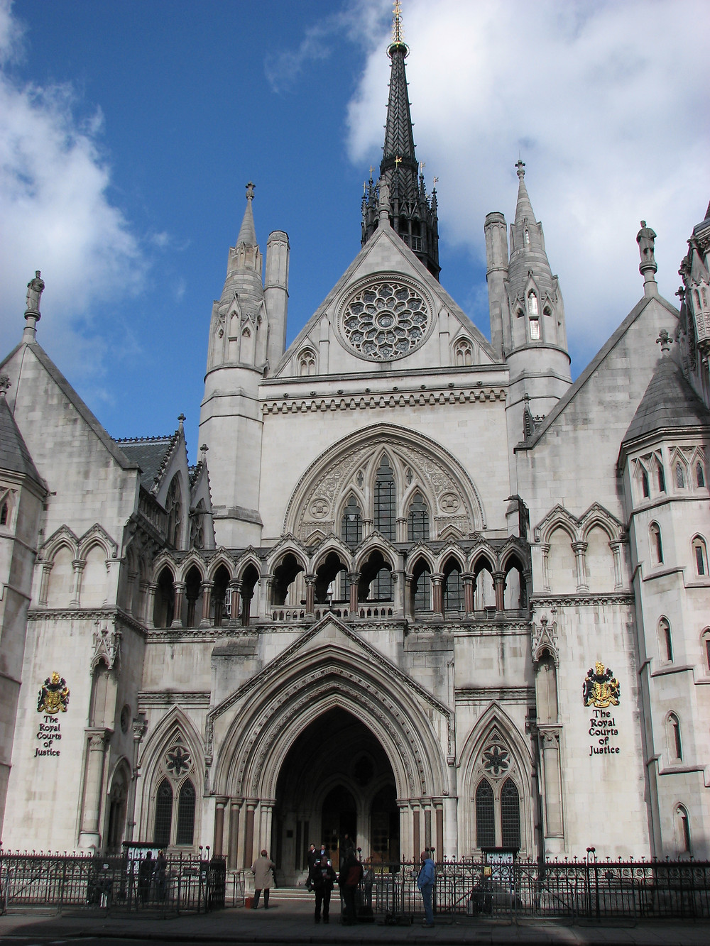 Royal_Courts_of_Justice_(England).jpg