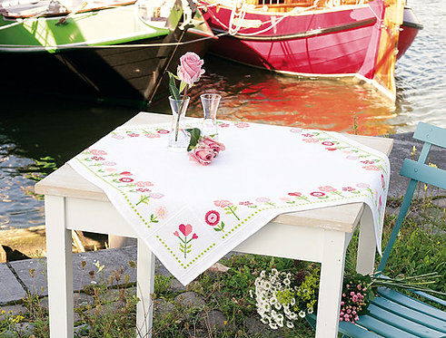 """Vervaco PN-0156419 Aida Tablecloth """"Pink Flowers"""""""