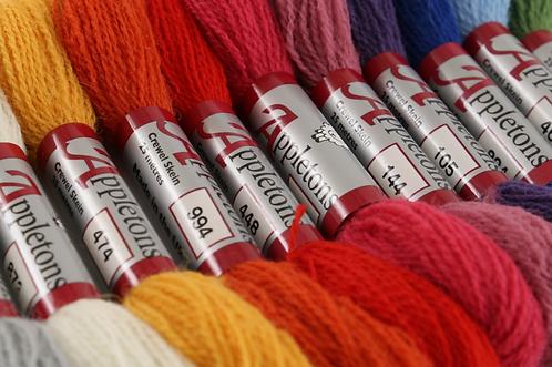 Appletons Crewel Wool - Pinks & Reds 2