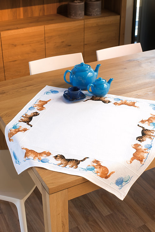 Vervaco PN-0145097 Aida Tablecloth Playful Kittens