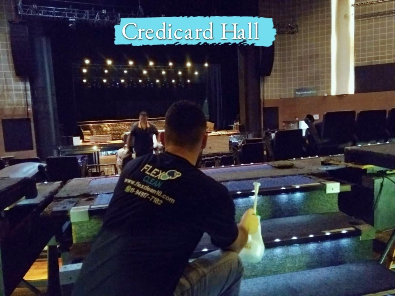 Higienização e tratamento do carpete no Credicar Hall