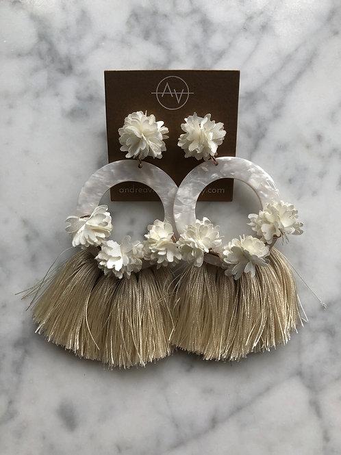 Coco Earrings (Ivory)
