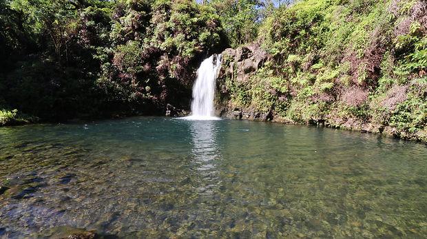 hana_waterfall.JPG