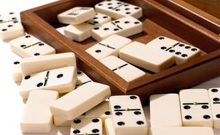 Dalnegro-dominoes-walnut_detail_02.jpg