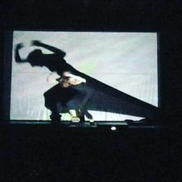 Actuant AL Rai Art de Barcelona. Teatre