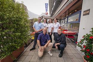 © Ihre Gastgeber und das Team im Hotel Restaurant Bellevue im Herzen in Naters