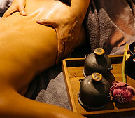Hot-Aroma-Oil-Massage.jpg