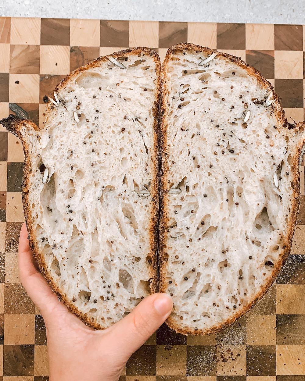 Pane con pasta madre a lievitazione naturale