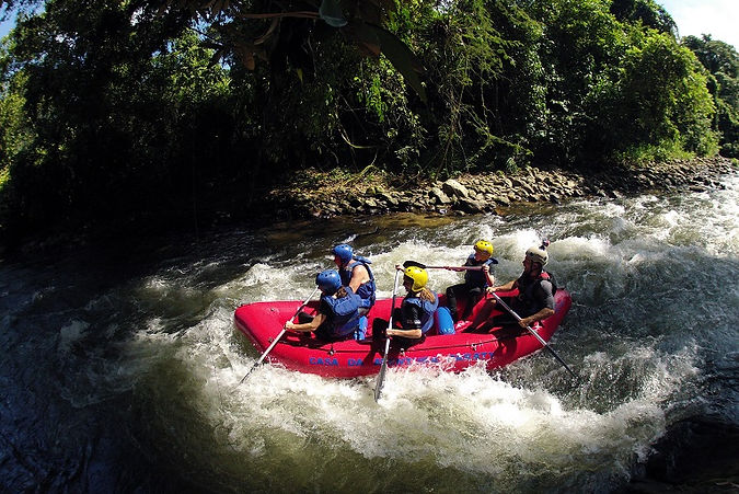 passeios em paraty casa da aventura turismo ecológico rafting