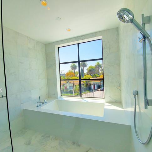 deluxe master bath
