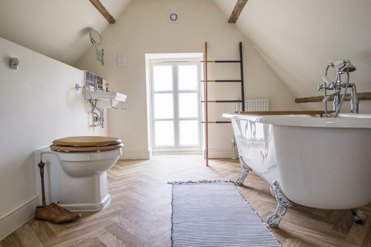 luxury triple bathroom.jpg