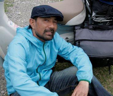 原付バイクと電動バイクで世界一周した旅行家の藤原かんいち