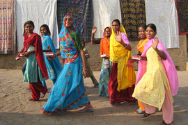 電動バイク世界一周インドのジャイプールの女性たち